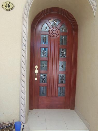 Puertas de madera en torre n puertas de madera en la for Modelos de puertas madera con vidrio